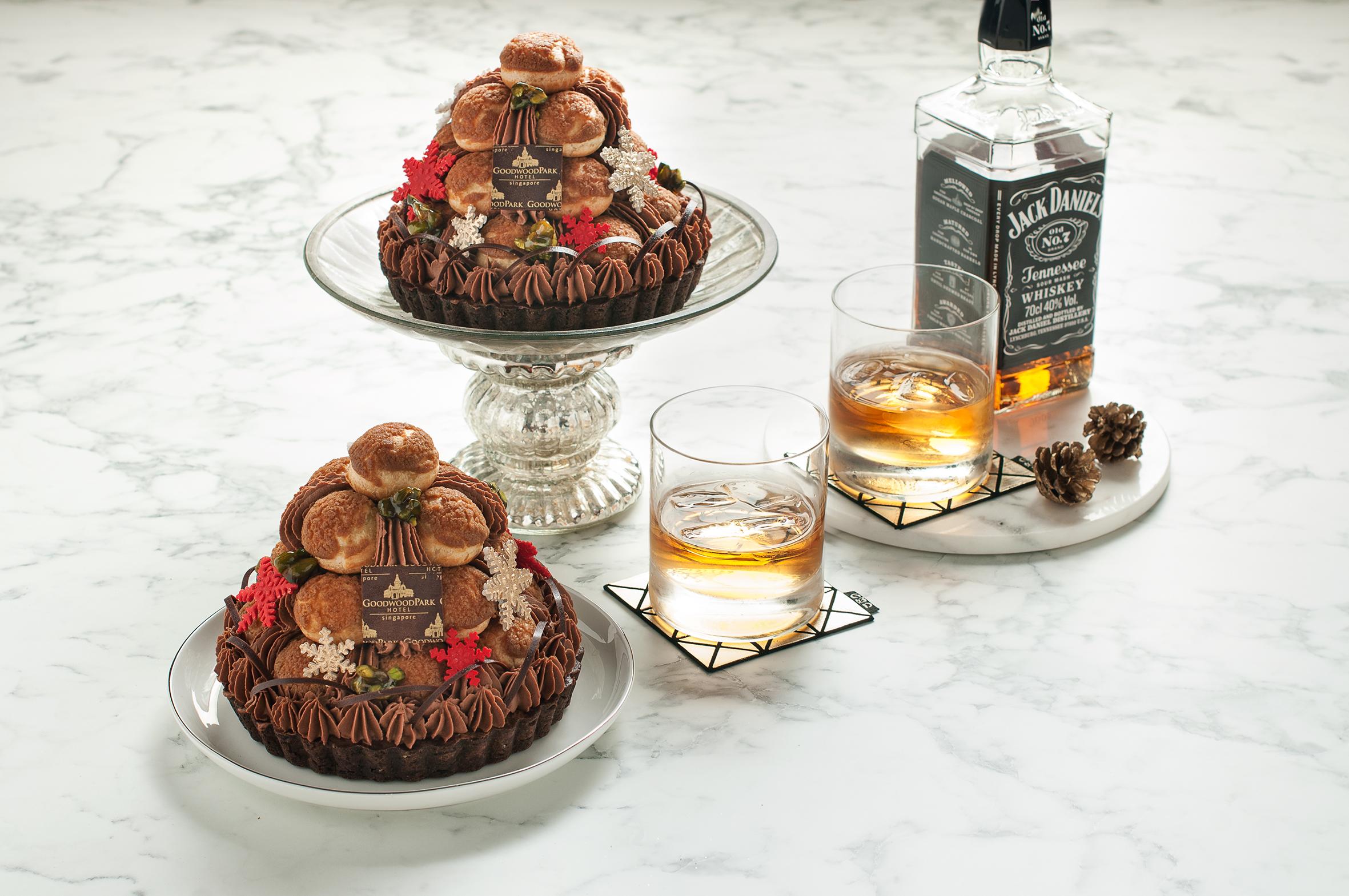 xmas-goodwood-park-hotel-christmas-2016-whiskey-profiteroles-choc-tart