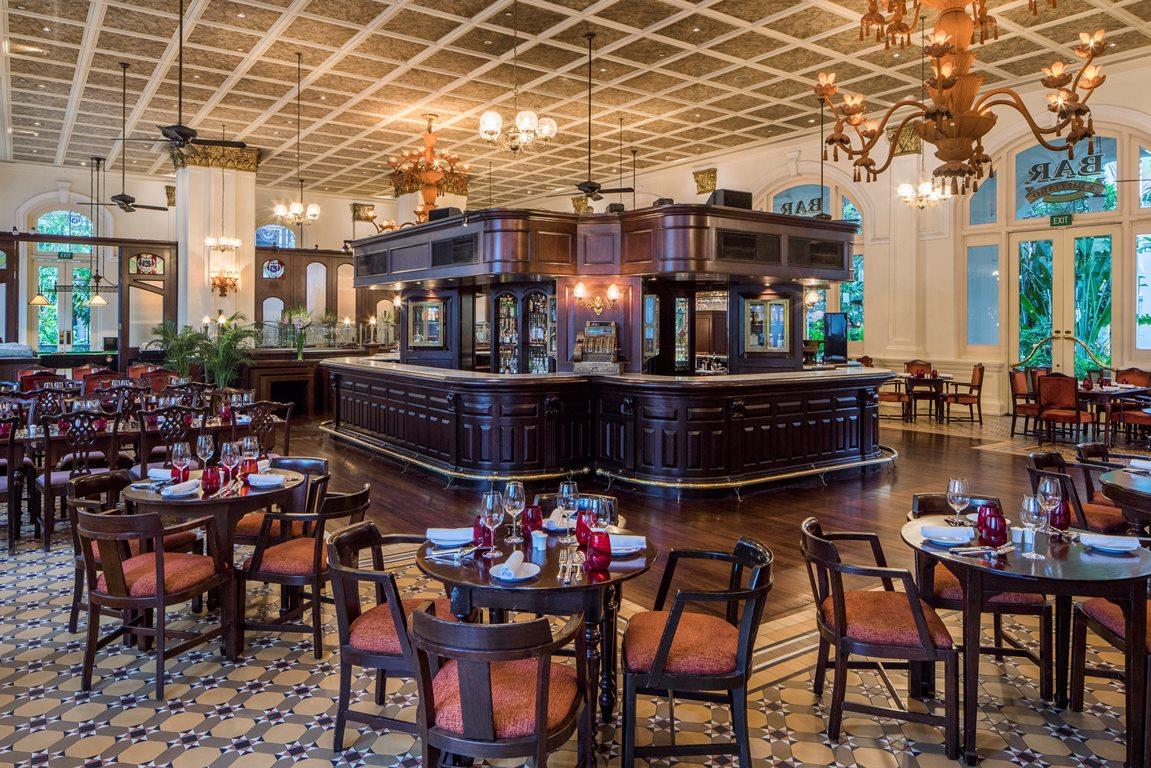 bar-billiard-room-interior-1